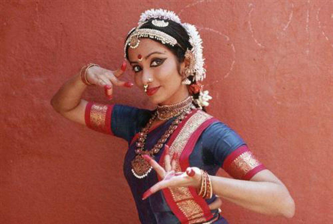 Посмотреть танец индианок 26 фотография